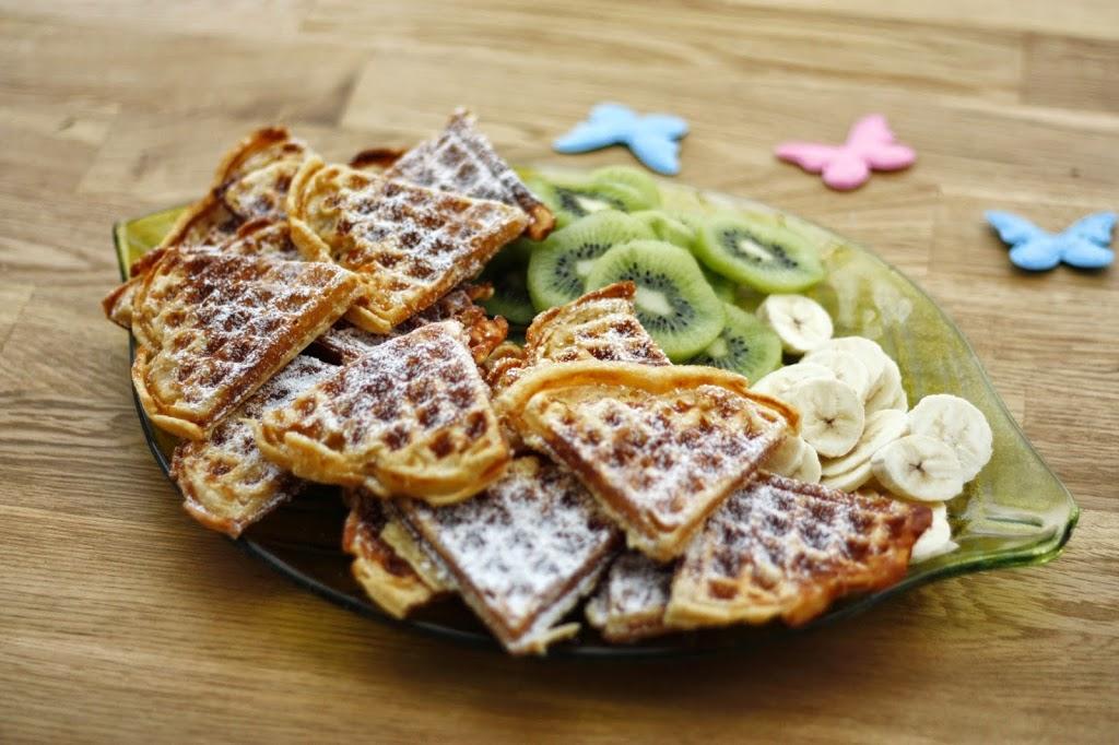 Dinkelwaffel-Herzen mit frischen Früchten - Kochliebe